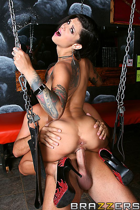 Bonnie rotten fetish Tattooed Fetish Bunny Bonnie Rotten Gives Awesome Oral Sex And Takes A Wild Hardcore Pounding Definebabe Com